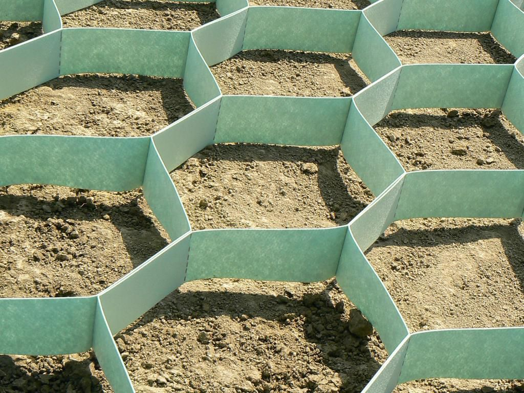 Barrier / soil erosion protection
